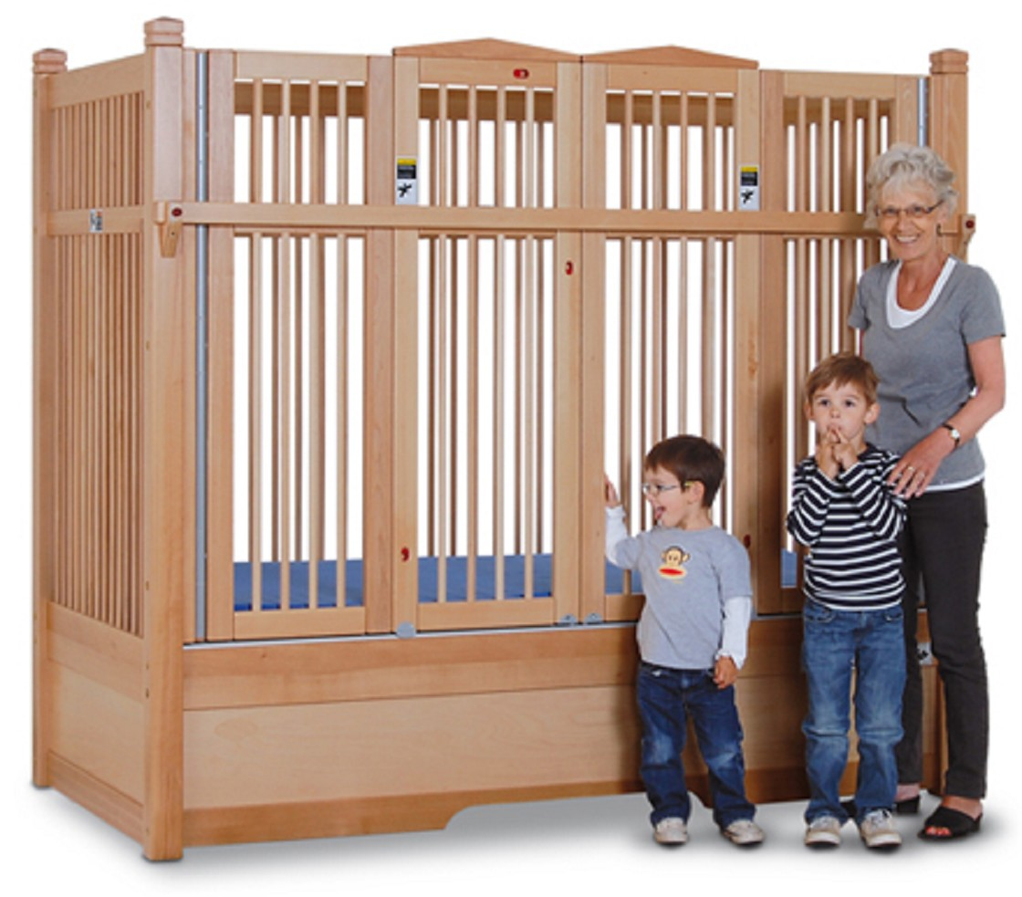 Special enclosed crib for premature babies - Hannah Safety Bed With Extra Tall Railing