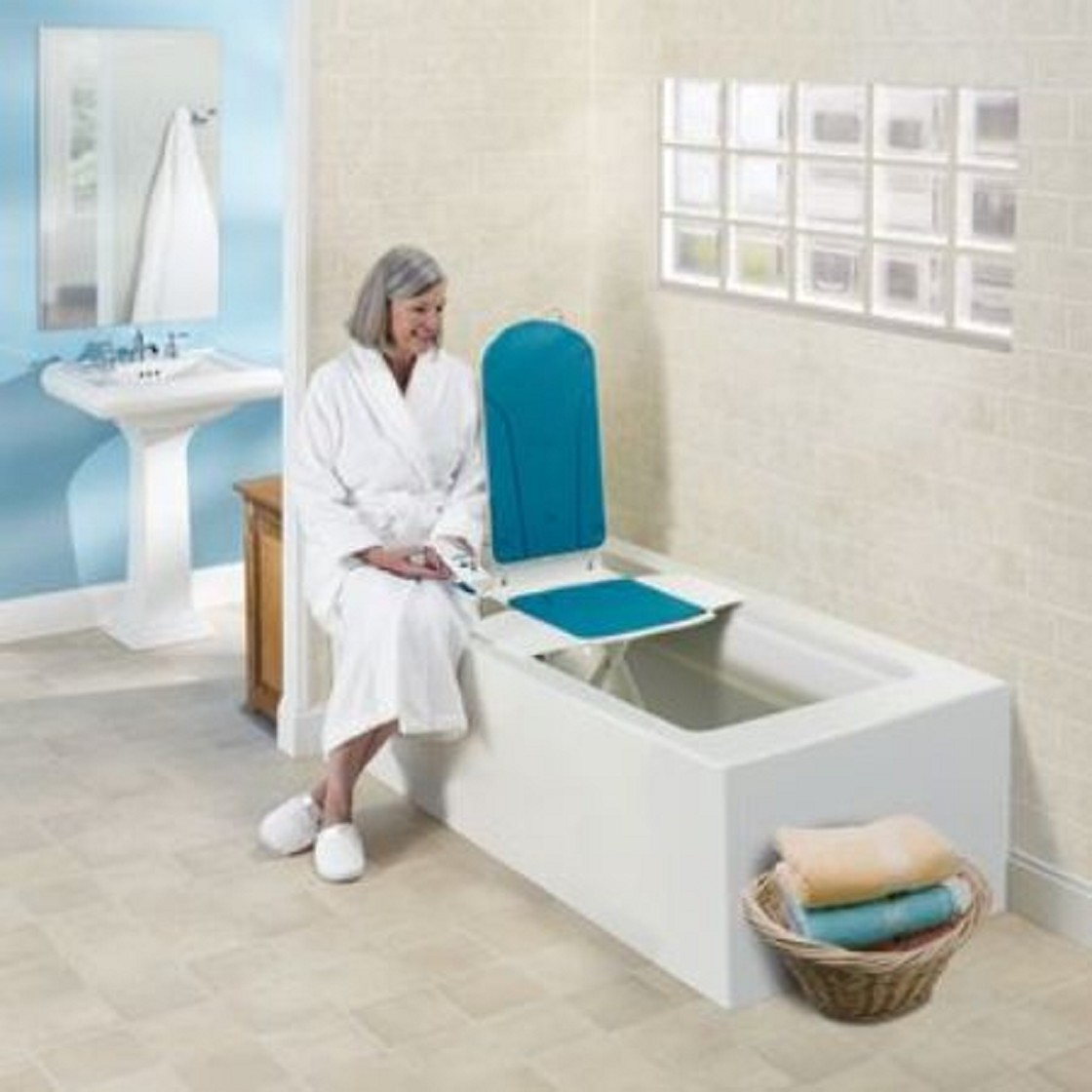 Air Wing Compact Lift Chair. chairs powerlift recline aidacare ...